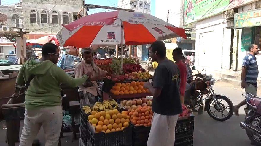 شاهد: بوادر عودة الحياة تدريجيا إلى الحديدة باليمن