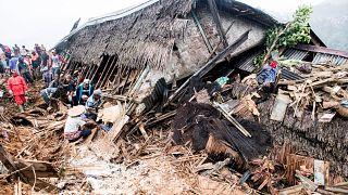 Endonezya'da sel ve toprak kayması: En az 26 ölü