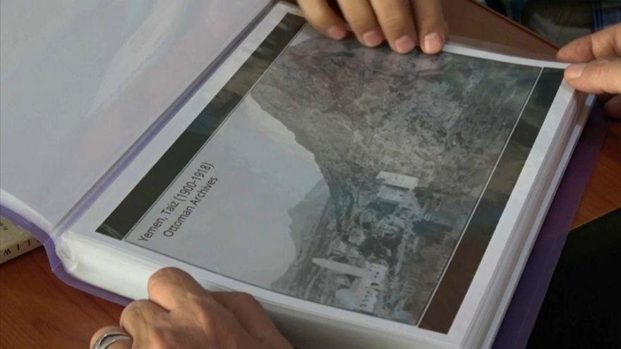 شاهد: يمني ينجح في إنقاذ آلاف الصور من تاريخ اليمن