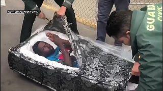 Video | Koltuk minderinden kaçak göçmen çıktı