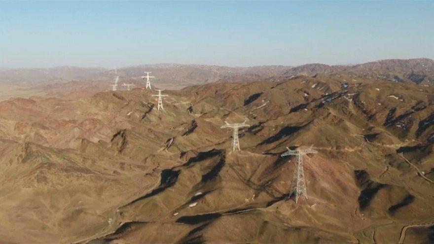 الصين تدشن أكبر مشروع لتوليد ونقل التيار الكهربائي العالي الضغط