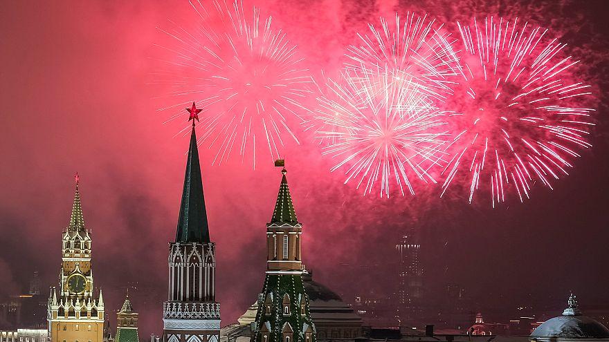 Фото и видео: новогодние гулянья в разных уголках планеты