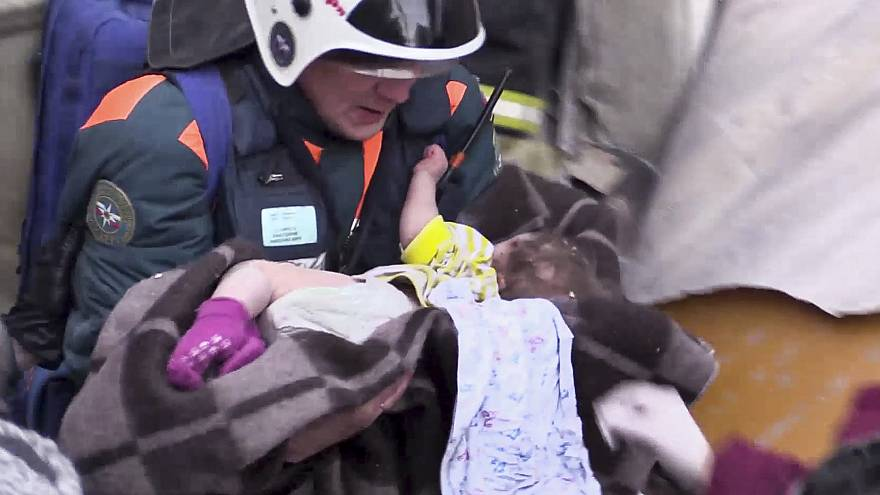 روسیه؛ نجات کودک ۱۰ ماهه از زیر آوار پس از ۳۵ ساعت