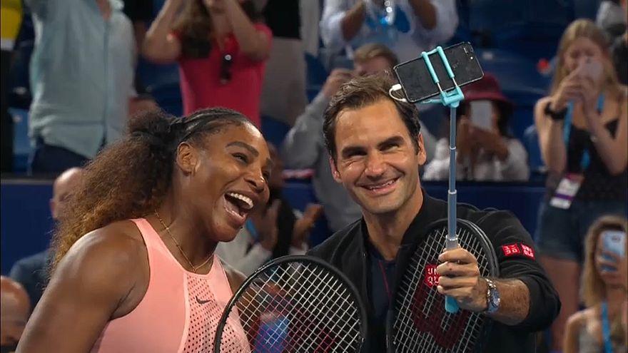 Памятное селфи двух легенд тенниса