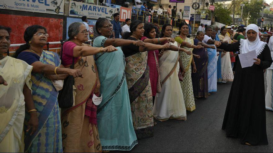 لغو قانون زن ستیزانه در هند؛ دو زن وارد معبد «آیاپا» شدند