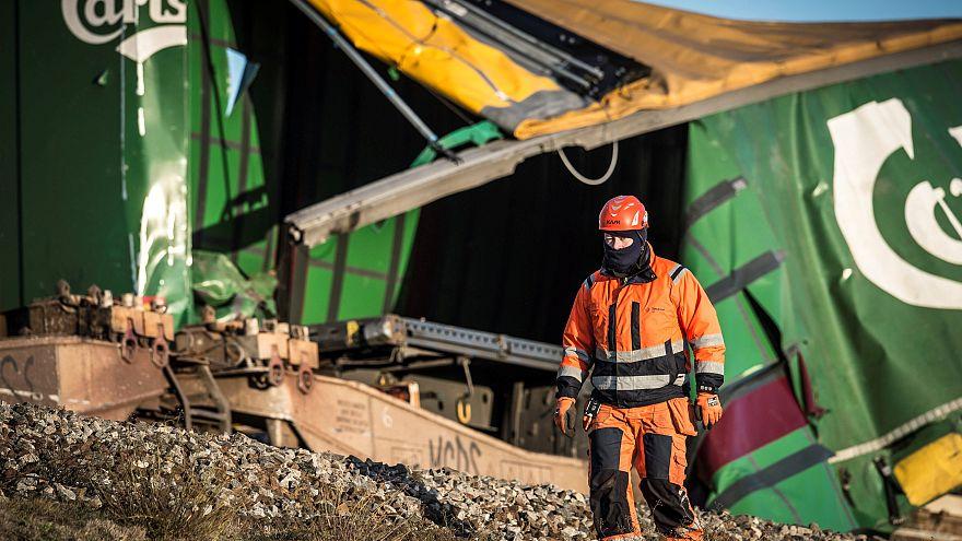 فيديو: ارتفاع حصيلة قتلى حادث قطار الدنمرك إلى ثمانية