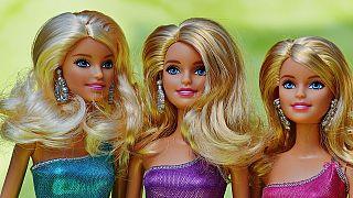Video  Barbie hiç göstermese de 60. yaşını kutluyor