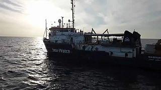 """Seawatch, l'appello Onu: """"situazione critica, serve sbarco immediato"""""""