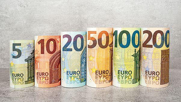"""عشرون عاماً على """"ولادة"""" اليورو: هل نجح في مهمته؟ وكيف سيكون مستقبله؟"""