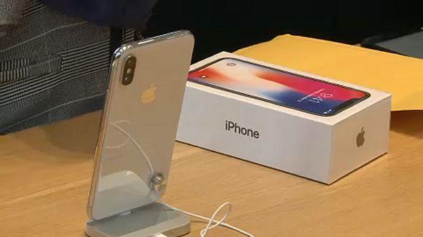 Csökkentette negyedéves várakozásait az Apple