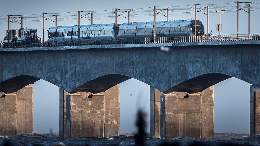 Dänemark: Opferzahl nach Zugunglück steigt auf acht