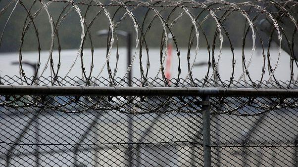 Fransa yolsuzlukla suçlanan eski Rus bakanı ülkesine iade etti