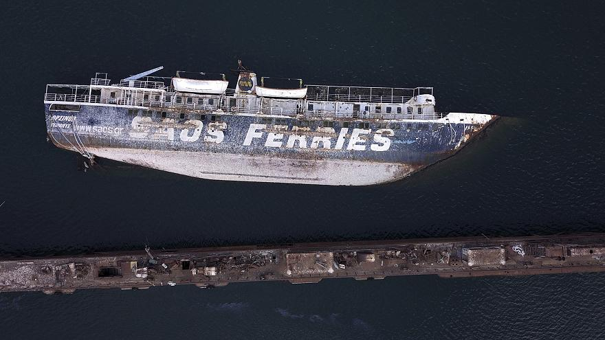 Grecia, il piano per smaltire questi 52 relitti abbandonati in mare