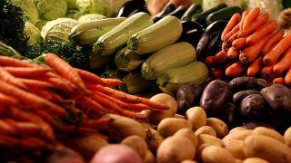 Kötelező segélyszervezetnek adni Csehországban az el nem adott élelmiszert