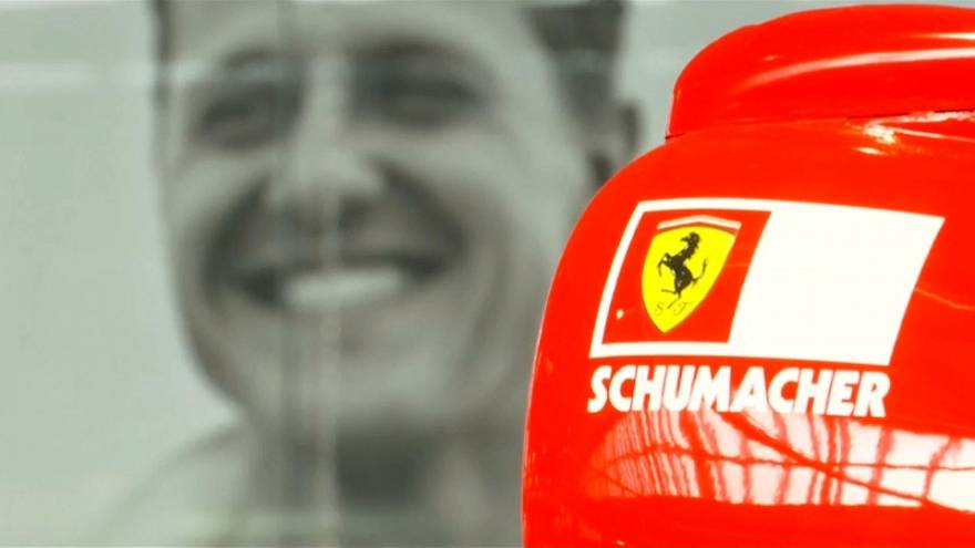 Autógyűjteménye megtekintésével ünneplik Schumacher 50. születésnapját a rajongók