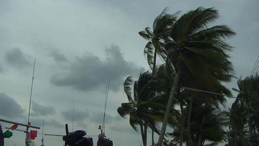 Thailand zittert vor Tropensturm Pabuk