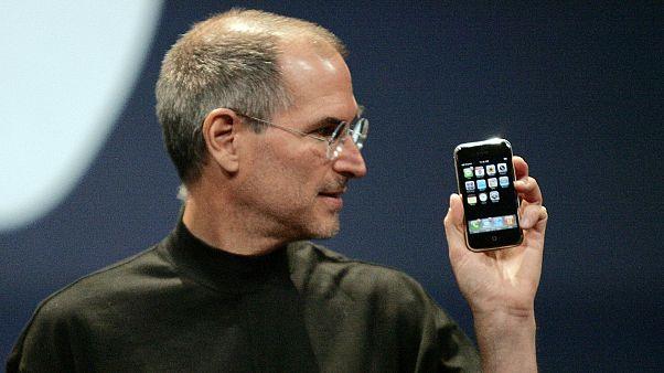 iPhone'un yüksek fiyat stratejisi Apple'a pahalıya mal oluyor