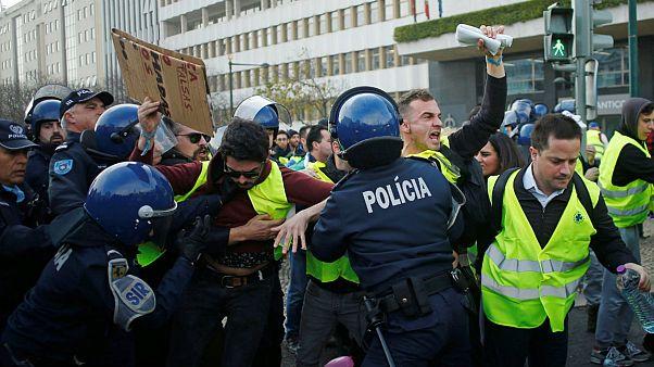 رکورد کمسابقه در جنبشهای اجتماعی فرانسه؛ ۲۱۶ جلیقه زرد زندانی شدند