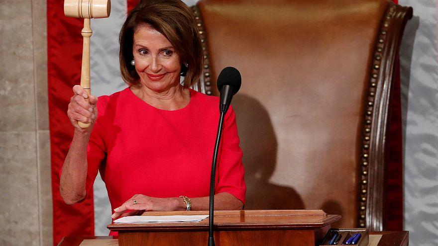 Nancy Pelosi másodszor is képviselőházi elnök