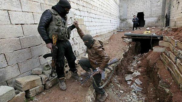 تصاعد حدّة الاشتباكات بين مسلحي المعارضة في شمال غرب سوريا