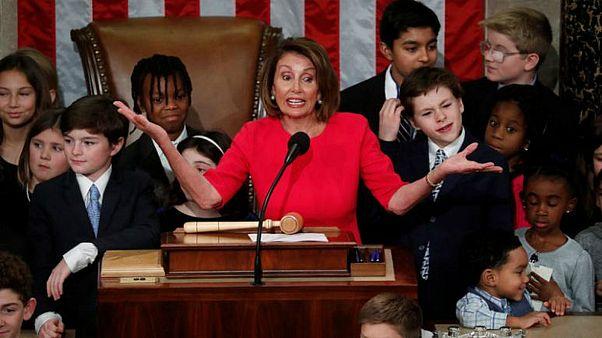 الديمقرطية المخضرمة نانسي بيلوسي تفوز برئاسة مجلس النواب الأمريكي