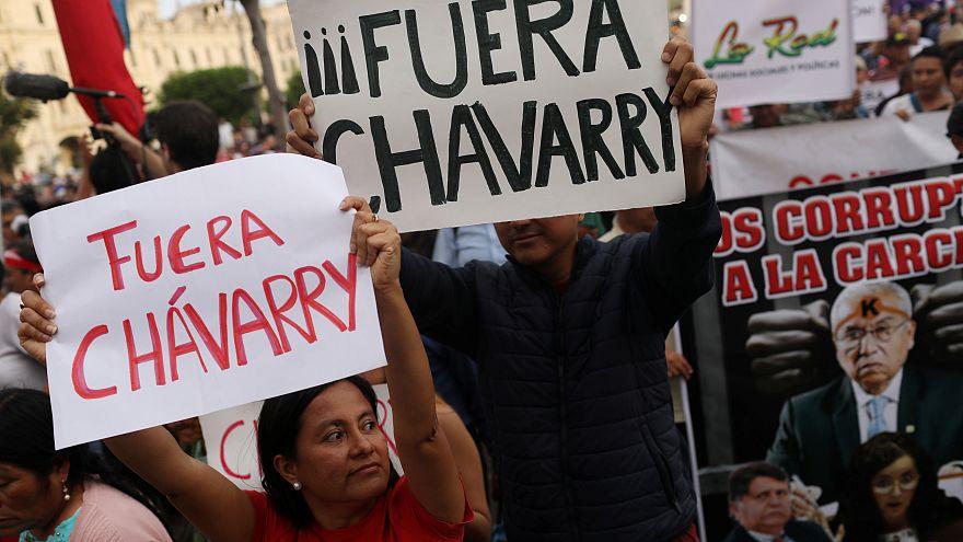 Los peruanos exigen la renuncia del fiscal general