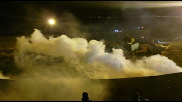 Indagine su uso di lacrimogeni al confine con il Messico