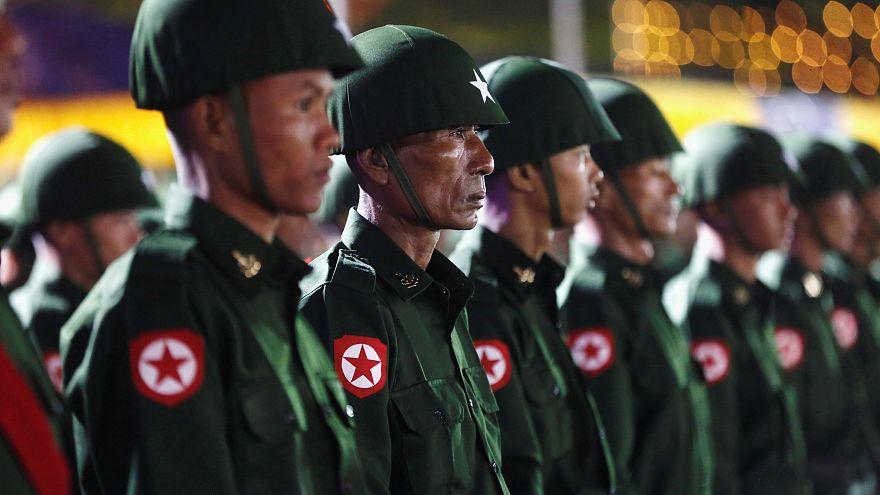 Myanmarlı askerler