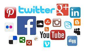 وسائل التواصل الاجتماعي تزيد فرص إصابة المراهقات بالاكتئاب