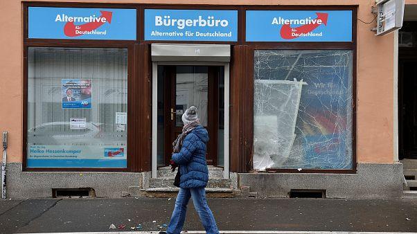 Germania, tre fermi per esplosione davanti a sede dell'ultradestra