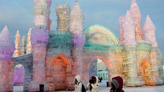 Wettbewerb in China: Wer erschafft die schönste Eisskulptur?