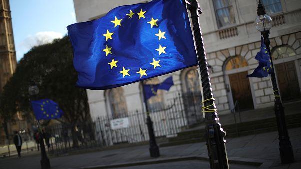 """Breves de Bruxelas"": Votar, camiões, debate eleitoral, Babis"