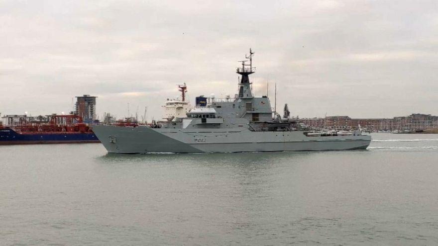 La Royal Navy patrouille dans la Manche