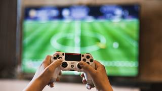 لا دليل على تأثير ألعاب الفيديو والتلفزيون على الأطفال