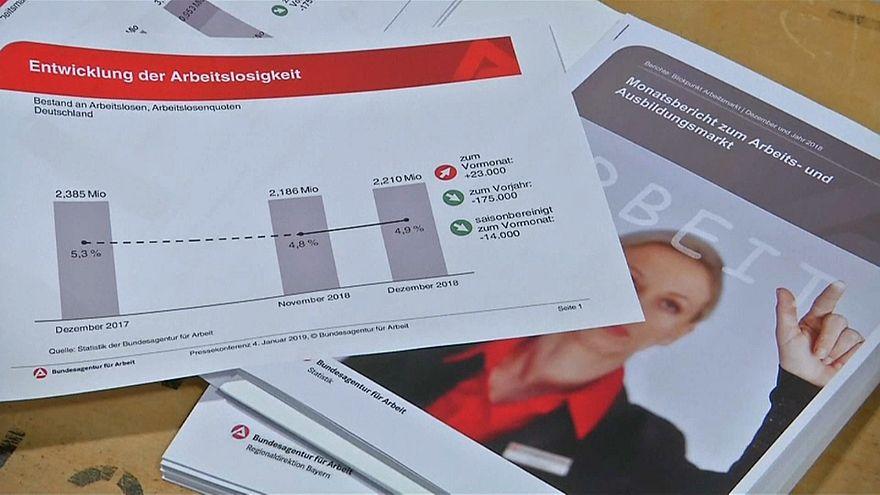 Zahl der Arbeitslosen in Deutschland 2018 auf Rekordtief
