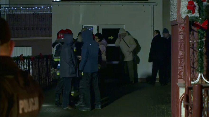"""مقتل خمس مراهقات في حريق نشب نتيجة تحديات """"لعبة الهروب"""" في بولندا"""
