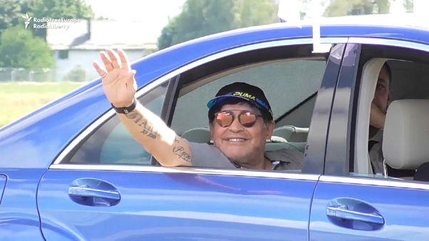 """Maradona lascia la clinica: """"Sto bene"""""""