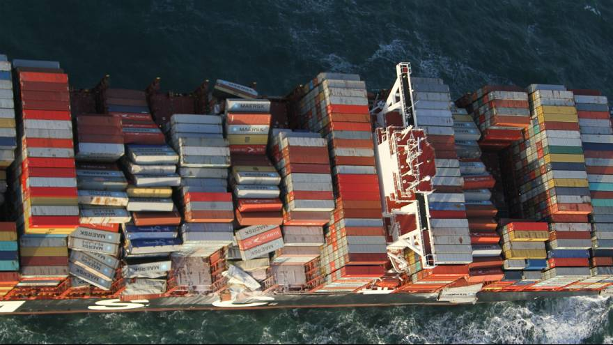 سقوط صدها کانتینر کشتی باری به دریای شمال؛ هلند خواستار هزینه پاکسازی دریا