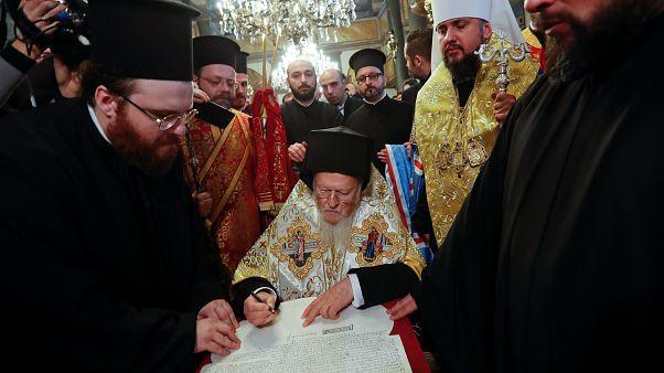 İstanbul Rum Patrikhanesi Ukrayna Kilisesi'nin bağımsızlığını resmen onayladı
