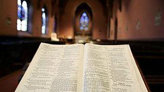 Hapishaneyi ziyaret eden sahte papazın İncil'inden uyuşturucu çıktı
