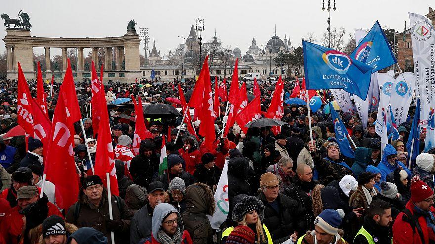 Профсоюзы угрожают правительству всеобщей забастовкой