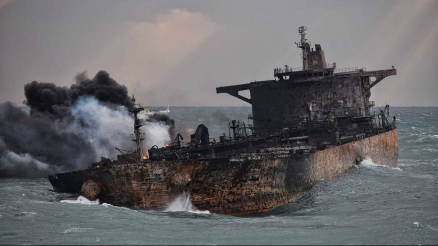 جدال آب و آتش؛ یکسال از غرق شدن نفتکش سانچی گذشت