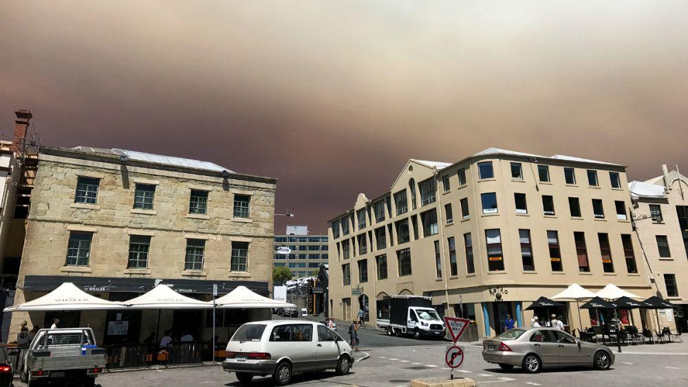 دود آتشسوزی آسمان تاسمانی استرالیا را تیره و تار کرد