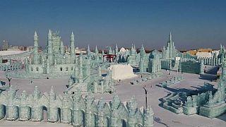 برگزاری جشنوارۀ مجسمههای یخی در شمال چین