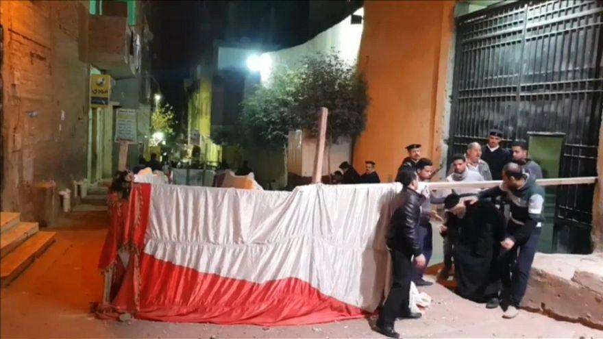 مقتل خبير مفرقعات وجرح ثلاثة أشخاص أثناء تفكيك قنبلة أمام كنيسة في القاهرة