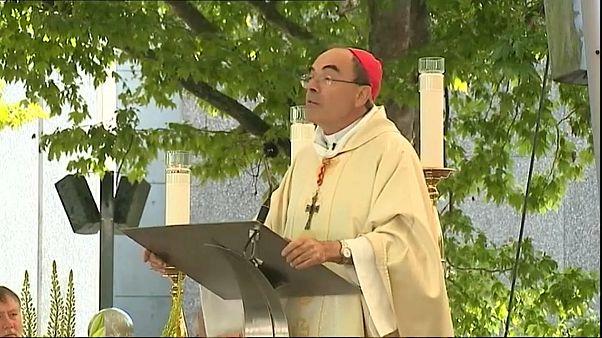 Arcebispo de Lyon julgado por não denunciar casos de pedofilia