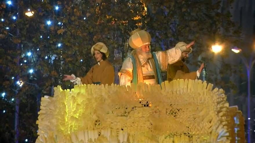 Families pack Madrid streets for Three Kings parade