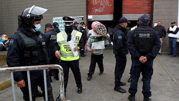 Desalojan un refugio clandestino de migrantes en Tijuana