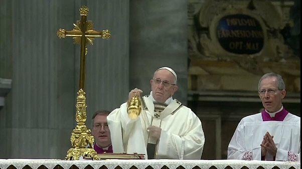 فيديو: البابا فرنسيس يدعو زعماء أوروبا لاستقبال المهاجرين