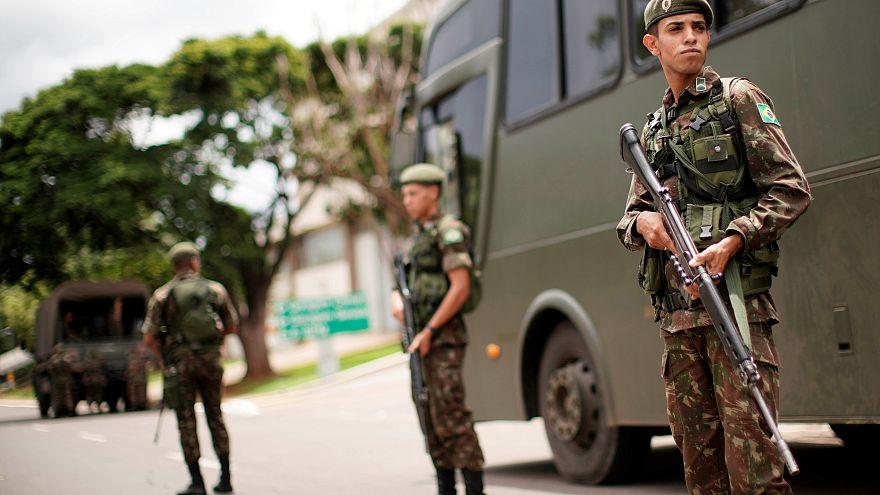 Brasile: esercito contro criminalità